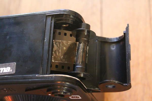 Fixation de l'axe de la cartouche à l'amorce